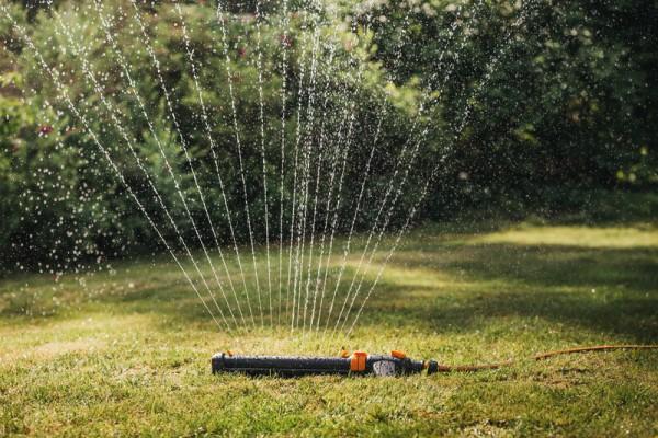 Oszillierender Sprinkler On/Off